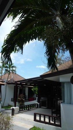 Chaweng Cove Beach Resort: esterno delle stanze