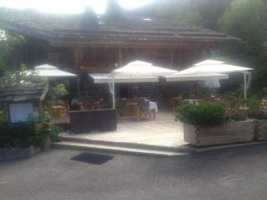 Hotel les Servages d'Armelle : Terrasse de l'hôtel