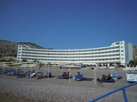 Sensimar Lindos Bay Resort & Spa: vista dalla spiaggia