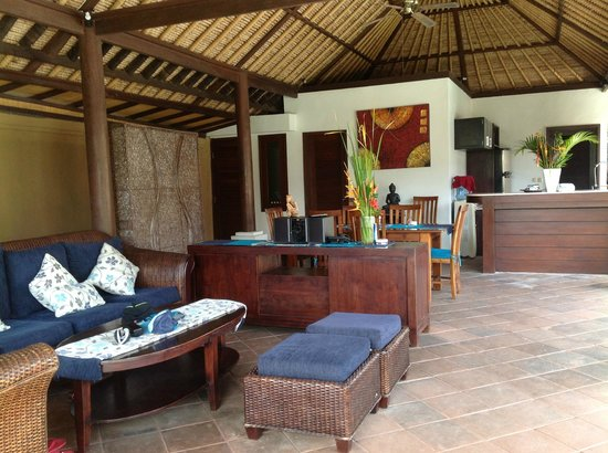 Halcyon Villas: Kitchen and lounge are ( also a lounge & TV upstairs)