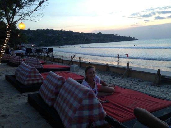 Halcyon Villas: Jimbaren bay at Sunset