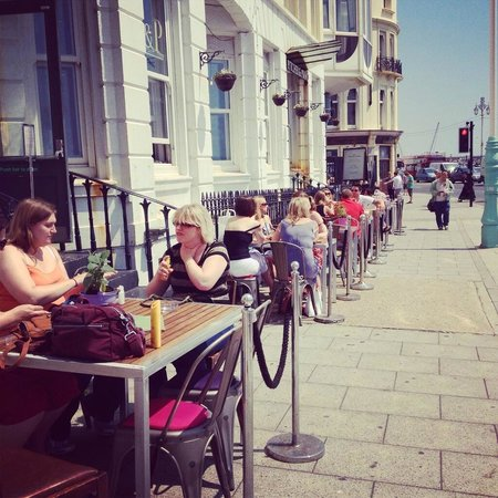 Pitcher & Piano - Brighton: Outside Seafront Seating
