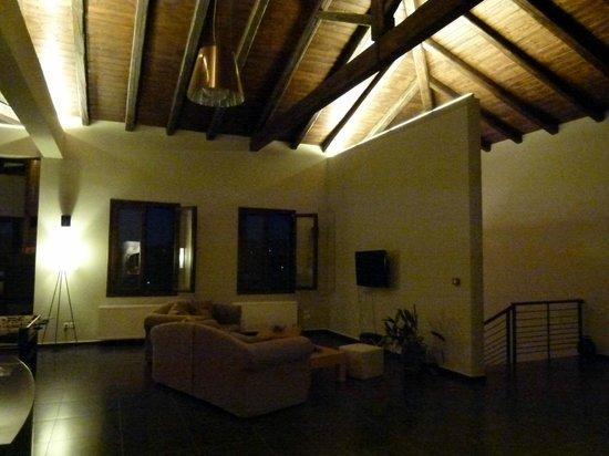 Hotel Perivoli: Lobby