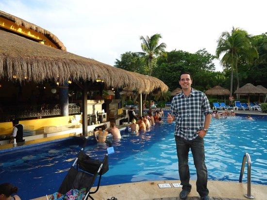 ClubHotel Riu Tequila: Bar de la piscina