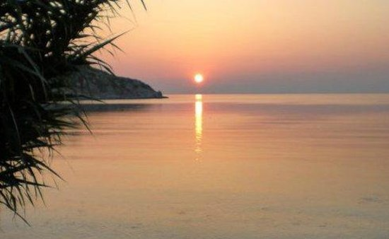 Ergin Pension: Sonnenaufgang - morgens früh auf der Terrasse