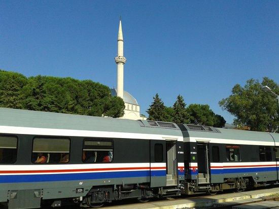 Dereli Motel: Zug von Izmir nach Selcuk