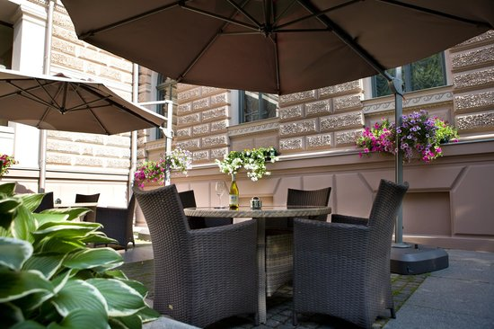 Gallery Park Hotel & Spa, a Chateaux & Hotels Collection: Gallery Park Hotel veranda