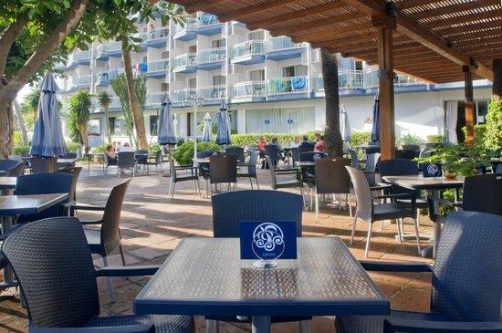 Hotel Palmasol: Bar Exterior