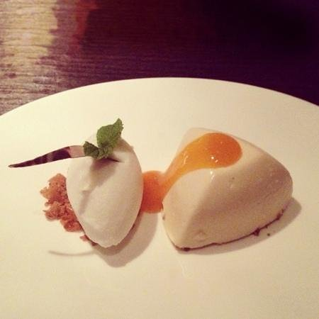 Hakkasan: honey parfait with yogurt sorbet
