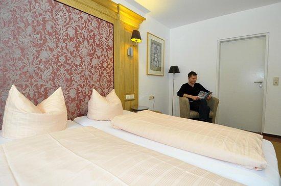 Classic Hotel: Room 200