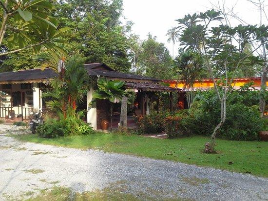 Pondok Keladi Guest House: Common area and surrounds