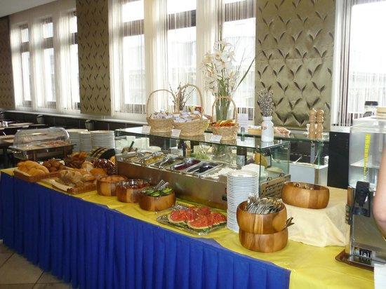 Medosz Hotel: Breakfast