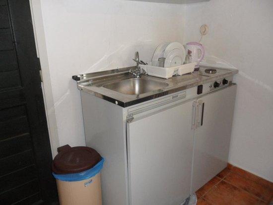 Eva Suites & Apartments: The kitchen