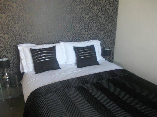 Mowbray Apartments Bridlington: very clean and tidy bedroom