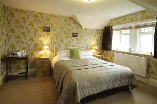 Fairhaven Country Guest House: Room 8
