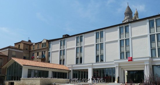 Ibis Périgueux Centre : FACADE DE L'HOTEL