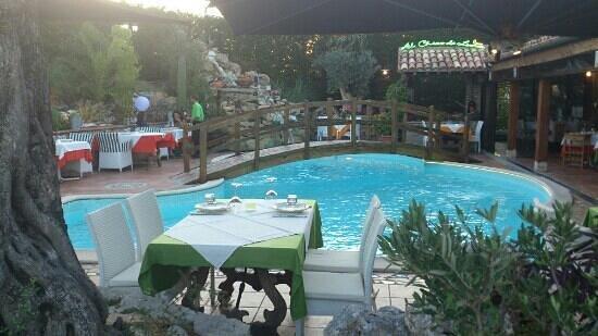 Al Chiar di luna : cena estiva a bordo piscina