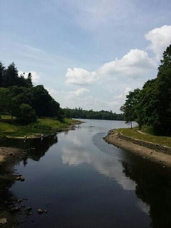 County Cavan, Irlanda: The view from the bridge