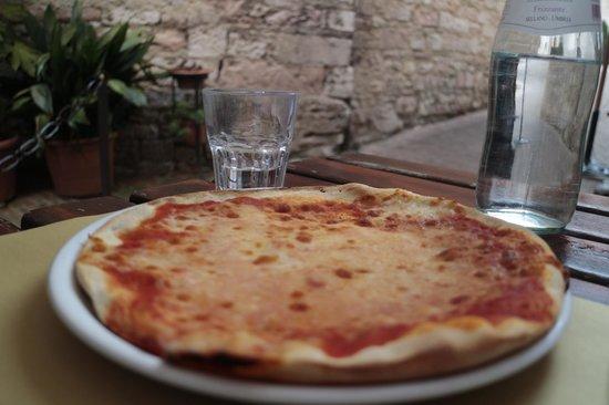 Otello Assisi Ristorante : Margherita pizza