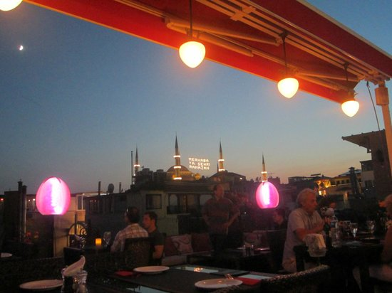 Tria Hotel Istanbul: Rooftop Restaurant View of Blue Mosque - 4th Day of Ramadan