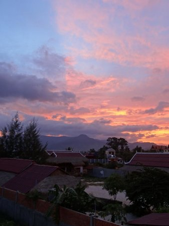 Moon River Lodge Kampot: The view from the balcony