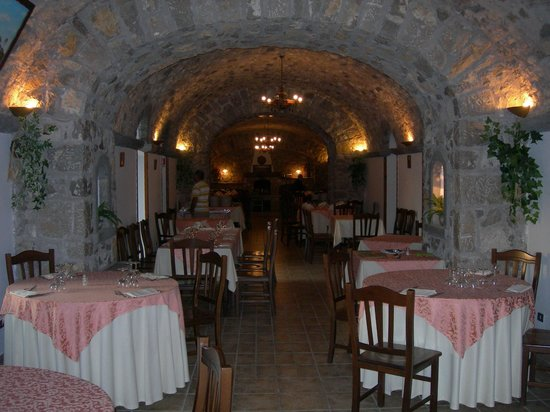 Ristorante Santa Croce Al Picco: Il salone interno