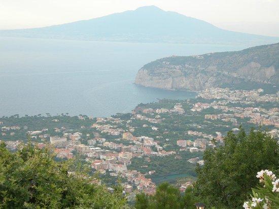 Ristorante Santa Croce Al Picco: La splendida veduta del golfo di Sorrento