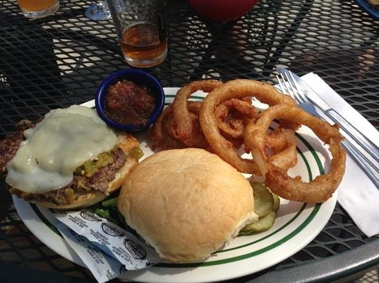 Mountain Shadows Restaurant: Buffalo Burger