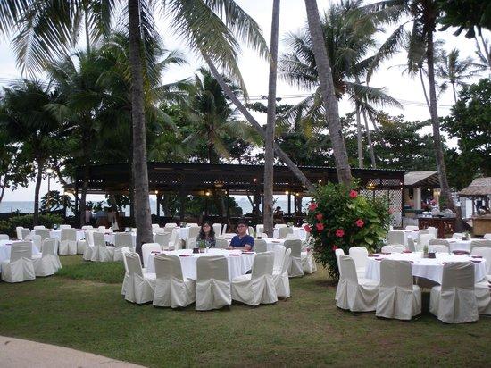 Aonang Villa Resort: Buffet dinner on first night