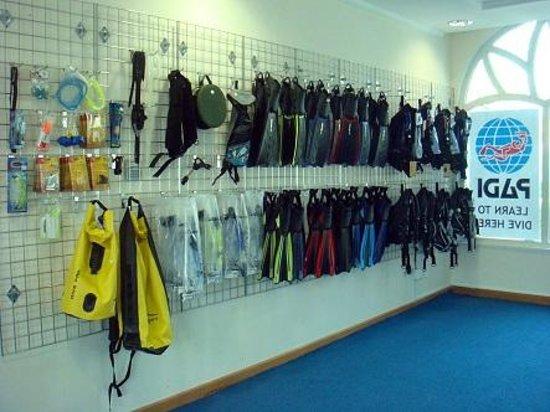 Emirates Divers Centre: EDC Shop