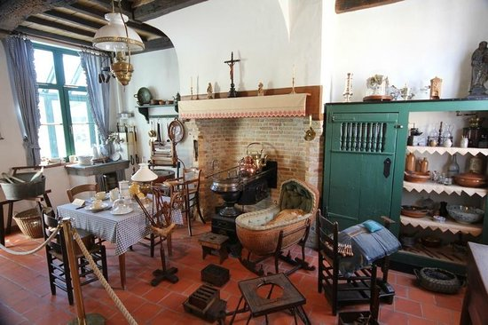 Folklore Museum: A typical kitchen of that time