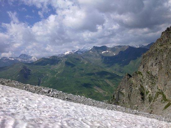 Albergo Eden: Viata dal ghiacciaio Presena