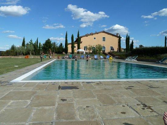Fattoria Santo Stefano: Larger villa plus pool