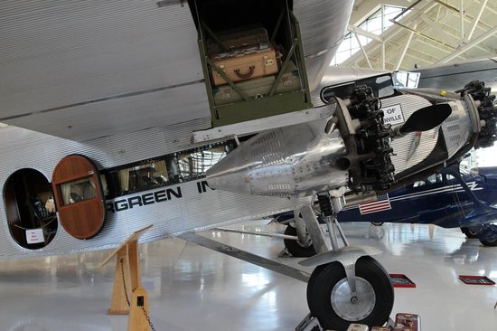 Evergreen Aviation & Space Museum: 1929? Ford Tri-motor -- awesome plane