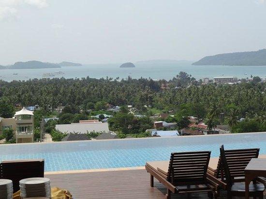 The View Rawada Resort & Spa : Pool