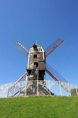 St Janshuis and Koelewei Mills: St. Janshuis mill