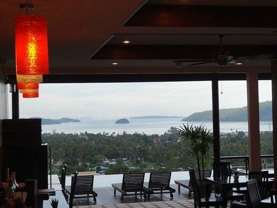 The View Rawada Resort & Spa : Restaurant