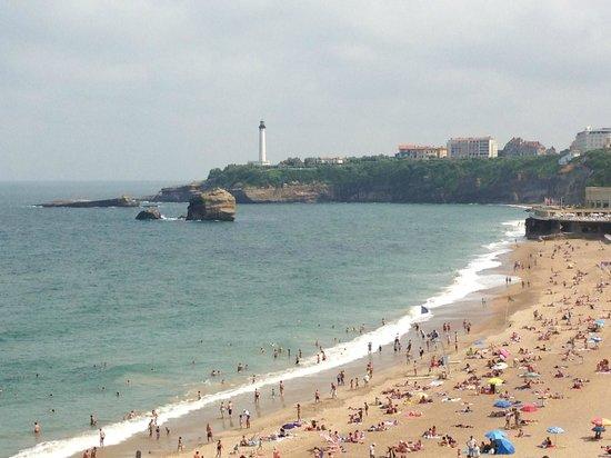 Hotel  Saint-Julien: Beach in Biarritz near the Hotel