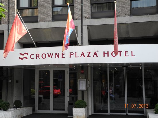 Crowne Plaza Maastricht : The entrance