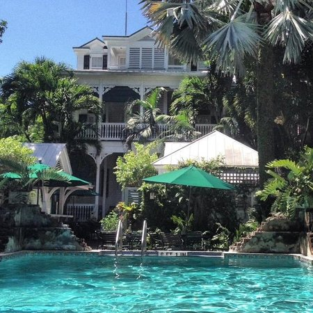 Simonton Court Historic Inn and Cottages: Great Pool!!!