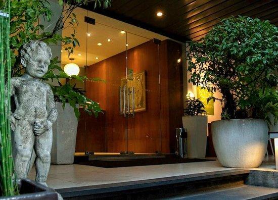 Hotel Durban: Hotel entrance.