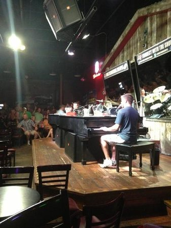 Main Floor Picture Of The Shout House Mpls Dueling Pianos