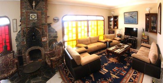 Villa Panaroma: Lobby sitting area
