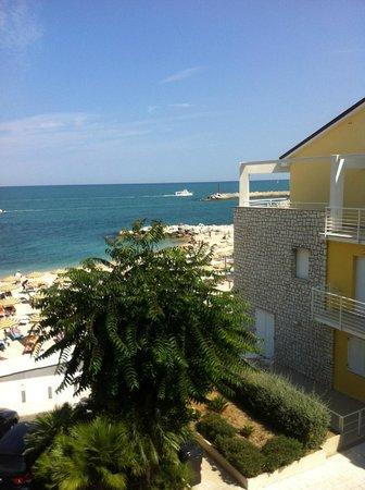 Spiaggia foto di hotel meubl la spiaggiola numana for Hotel meuble la spiaggiola numana