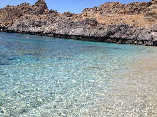 Mythos Apartments : crystal clear water!
