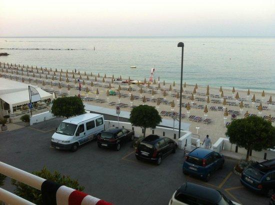 Spiaggia foto di hotel meuble la spiaggiola numana for Hotel meuble la spiaggiola numana