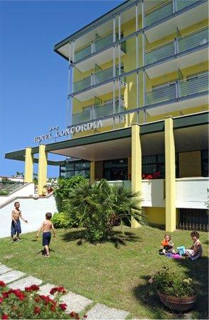Hotel Concordia: entrata con giardino