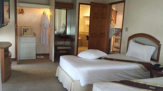 Grand Diamond Suites Hotel : Big and spacious
