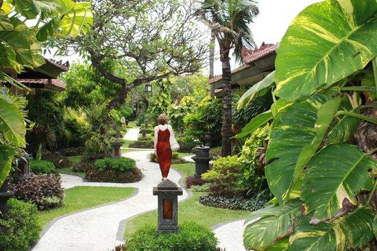 COOEE Bali Reef Resort : Garten
