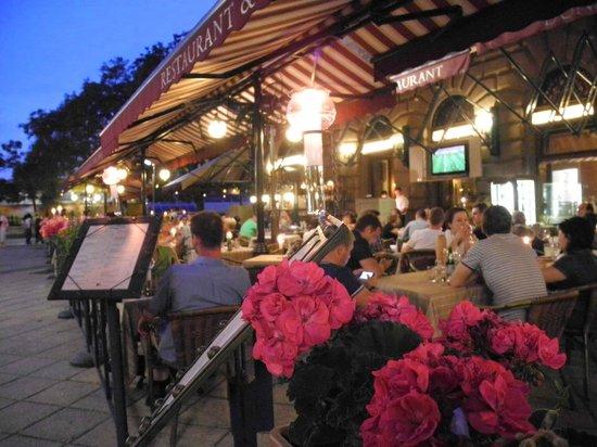 Korzo - Danube Embankment (Dunakorzó): Restaurant Donaucorso